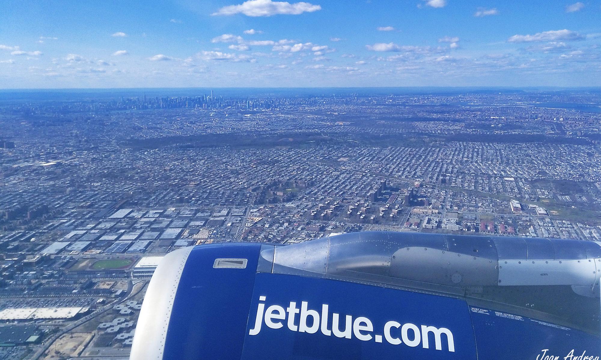 Vol amb New York de fons