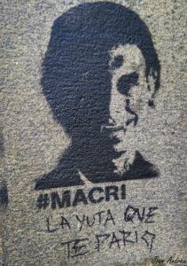Pintada dedicada a Macri al centre de Buenos Aires